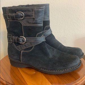 Clark's booties, Sz 9 1/2